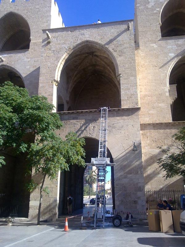 Grua para mudanzas en Torres de Serranos Valencia